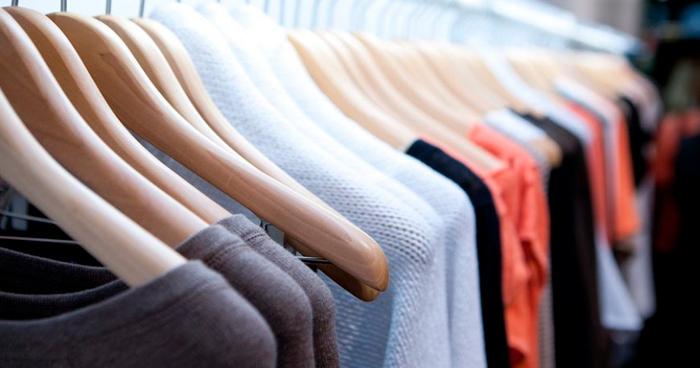 """alt=""""6-ideias-para-organizacao-do-guarda-roupa-em-60-minutos"""""""